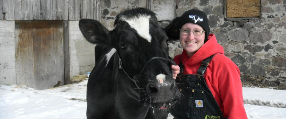 Dr. Amanda Topp and Maggie the cow